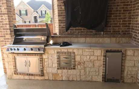 Outdoor Kitchen Stone and Brick